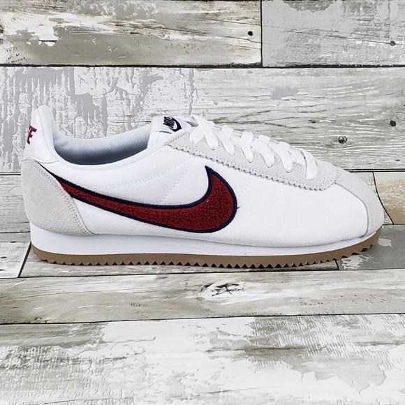 bbdafafc5529 Nike Womens Classic Cortez Running Shoes White Red